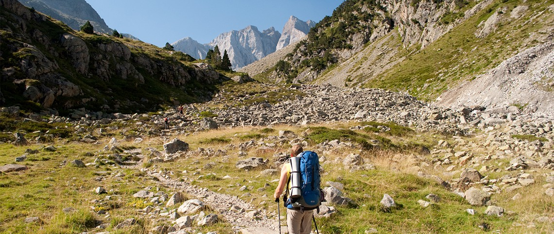 Randos et sacs à dos : 7 parcours pour tester l'itinérance en montagne !