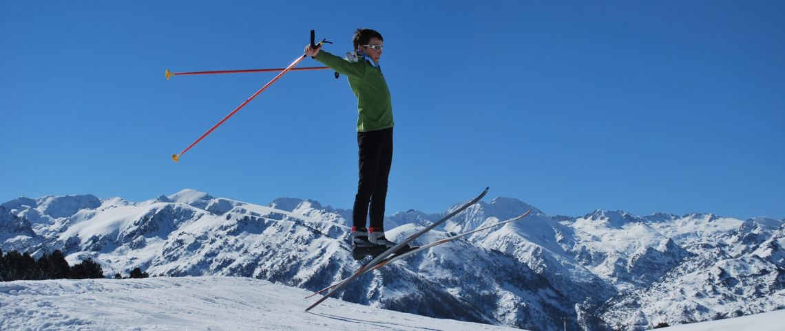 Discover the fun ski-play zones in cross-country skiing areas in France!