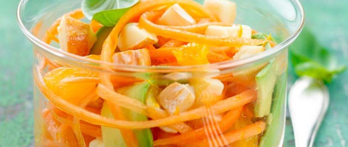 Salade de carottes, avocat, reblochon à l'orange