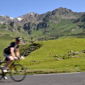 Cyclo : 10 cols et montées de légende en montagne